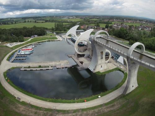 Falkirk Wheel Water Bridge 300dpi